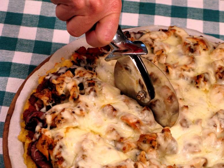 Polenta Pizza - Cutting